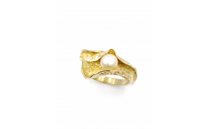 D 315 Handmade silver ring with pearl